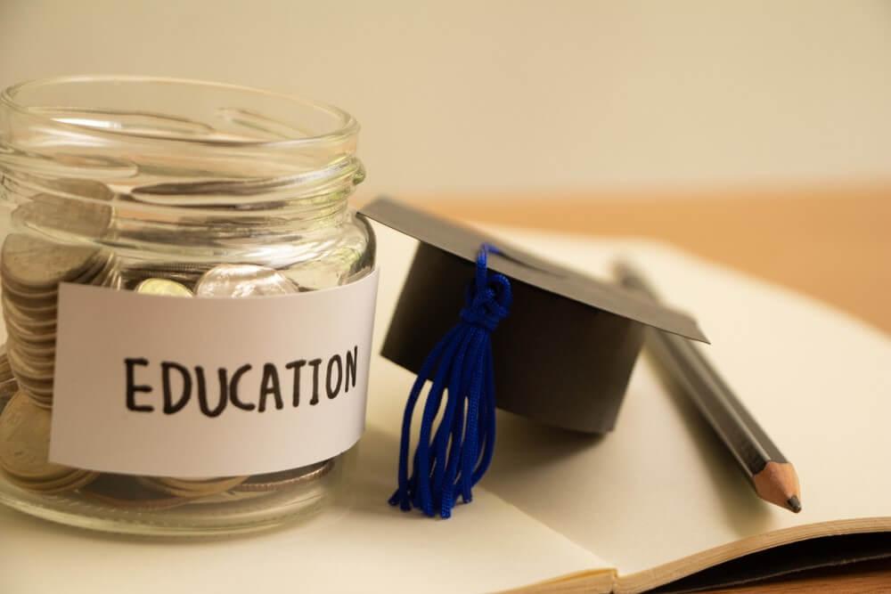 2021留學獎學金懶人包,教育部公費、民間企業申請辦法通通告訴你!