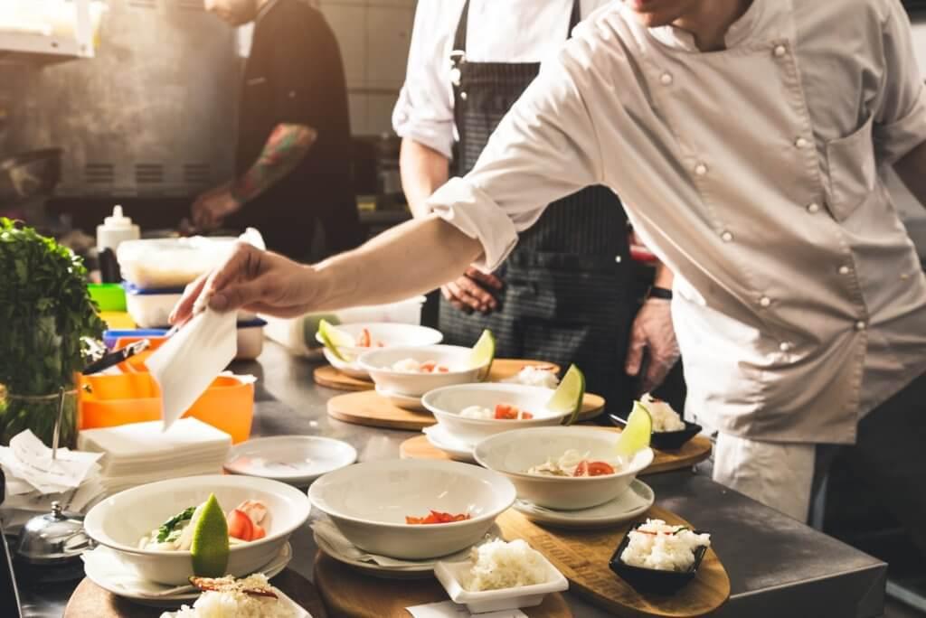 加拿大廚藝學校及飯店管理學校推薦,超越藍帶、CP值高!