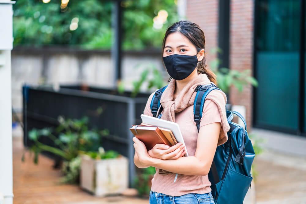 疫情下適合遊留學嗎?2021各國入境、簽證及疫苗最新動態